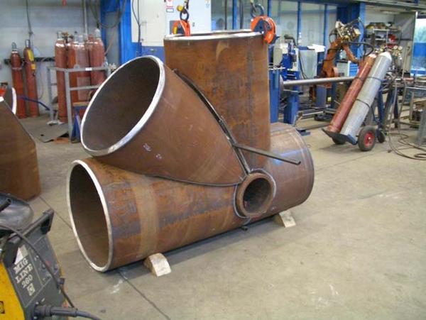 Einzelknoten aus Rohren 813x40 mit von innen nach außen laufender Schweißnaht